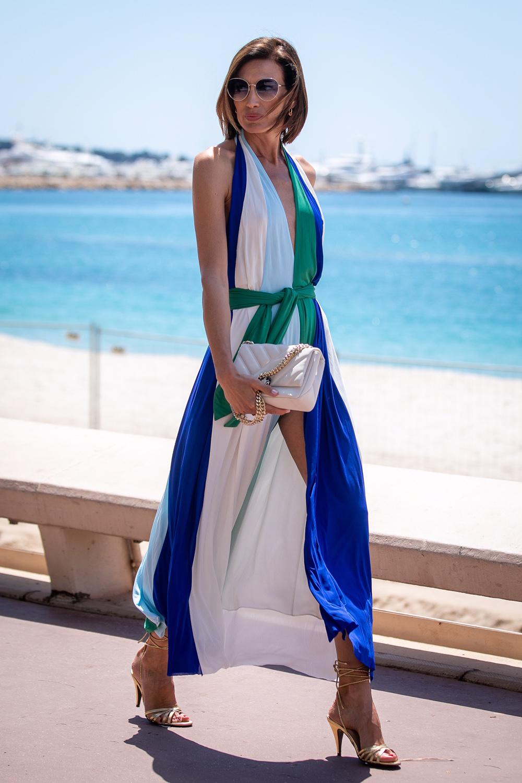 Nieves Álvarez en Cannes 2019 con vestido de colores.
