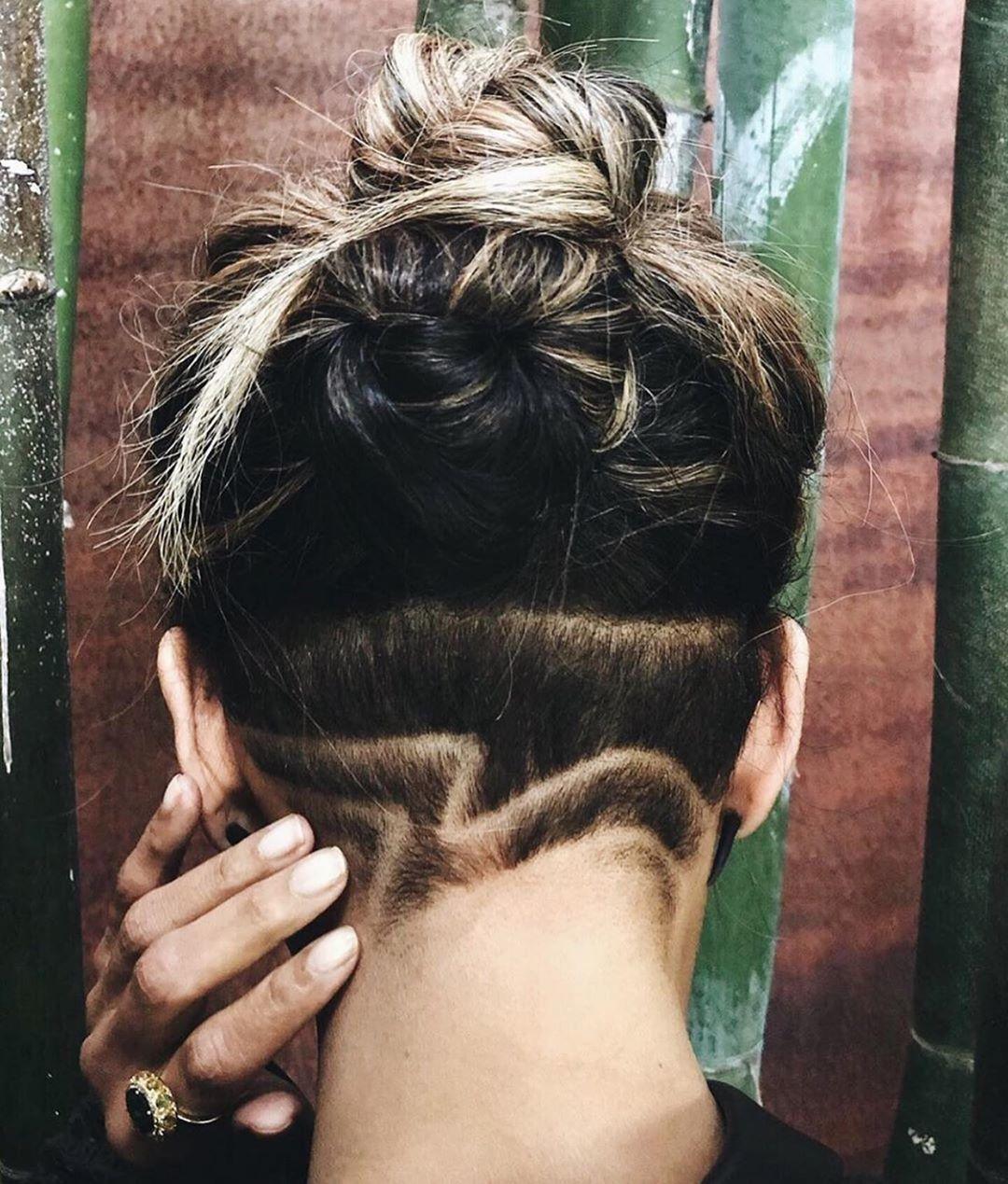 El nuevo corte de pelo rapado de diseño por obra y gracia de Ohre Kilpatrick de Halle Berry.