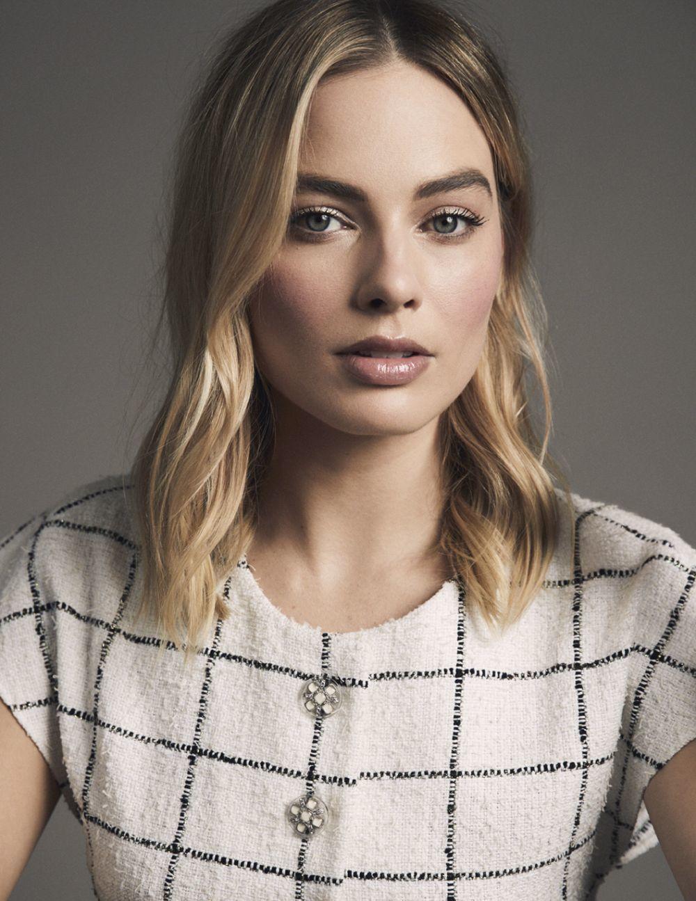 Margot Robbie posa para la nueva campaña de Chanel.