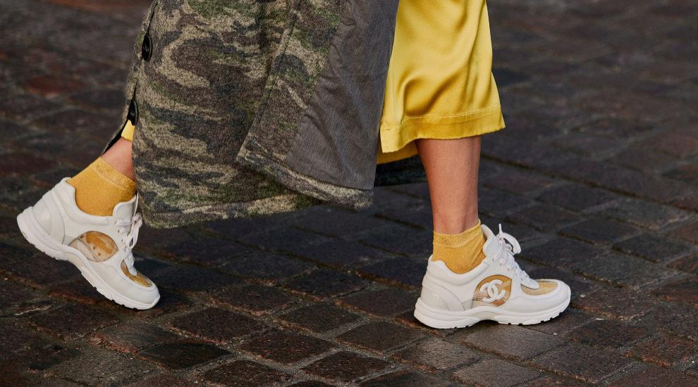 Zapatillas en el street style de Copenhague