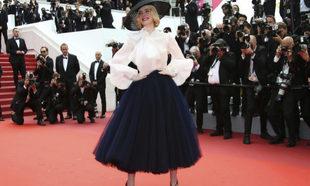 La actriz Elle Fanning durante la premiere de Once Upon a Time in...