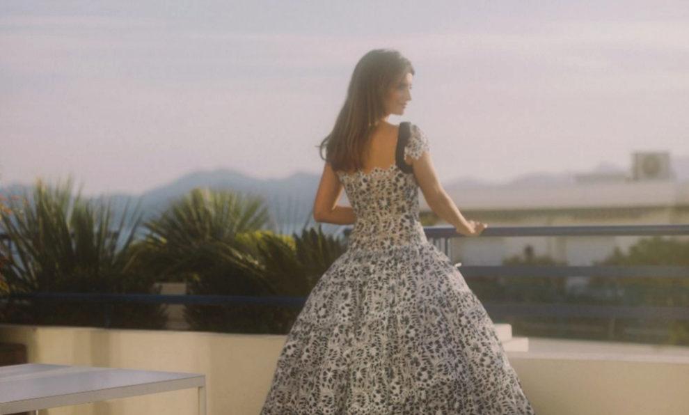 0b9392812 La mágica historia que esconde el vestido de Penélope Cruz en Cannes  (firmado por Chanel)