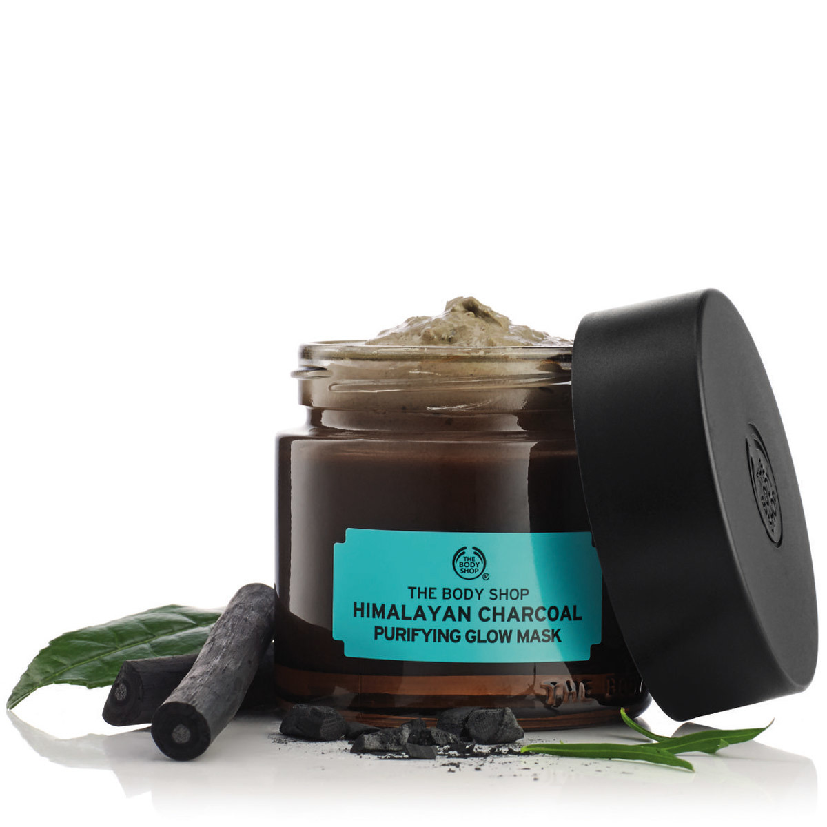 Himalayan Charcoal Purifying Glow Mask de The Body Shop.