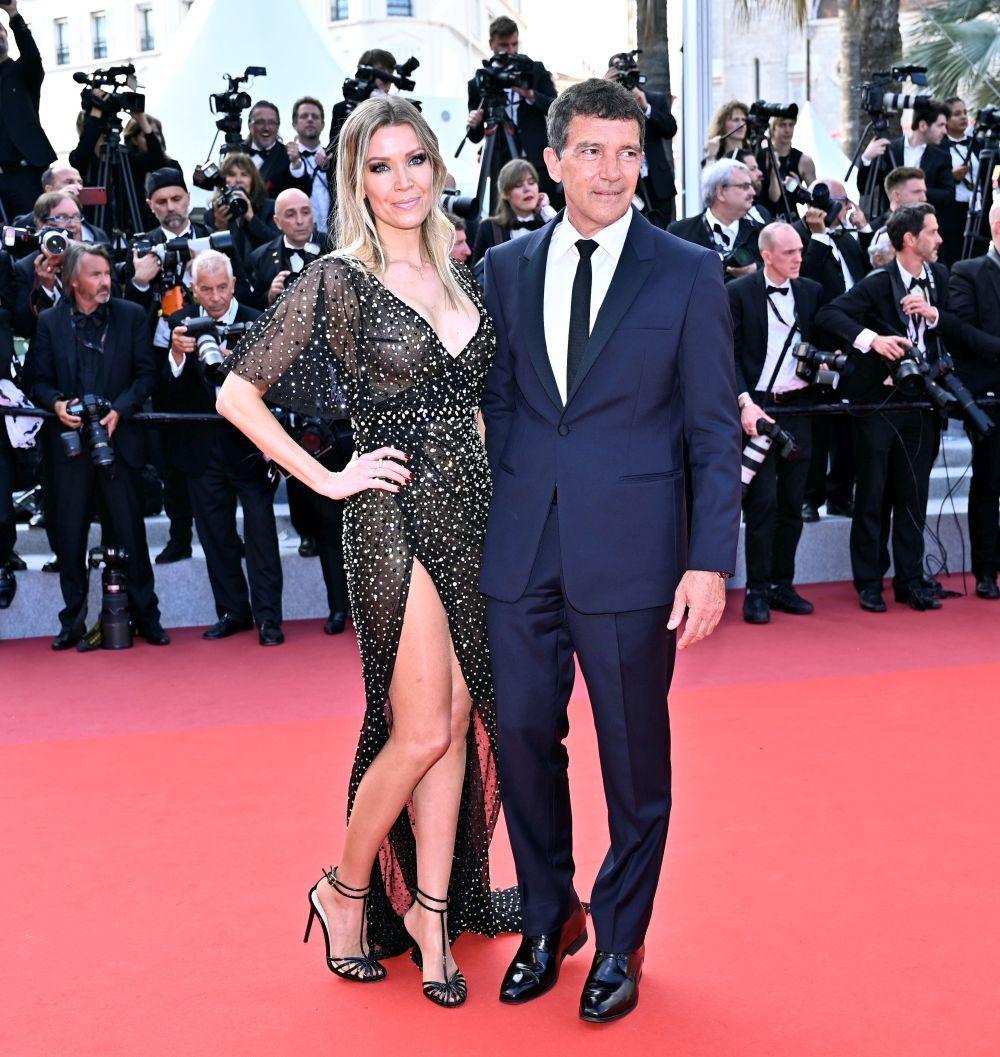 Antonio Banderas y su pareja Nicole Kimpel en la alfombra roja del...