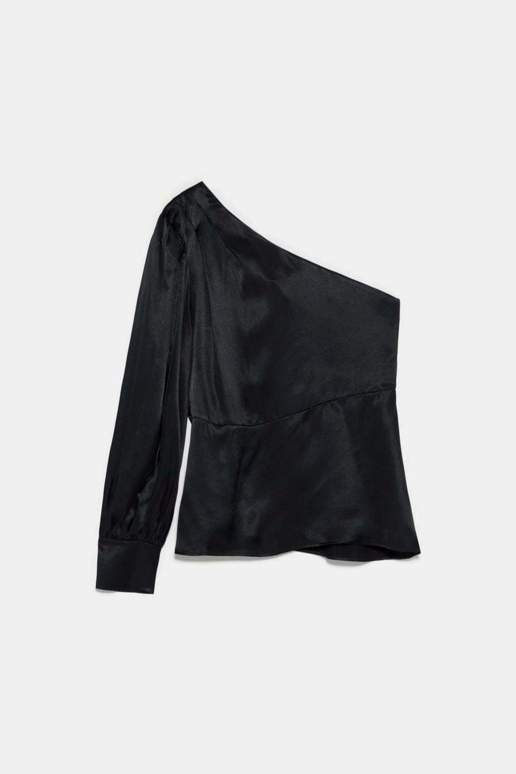 Top satinado asimétrico de Zara
