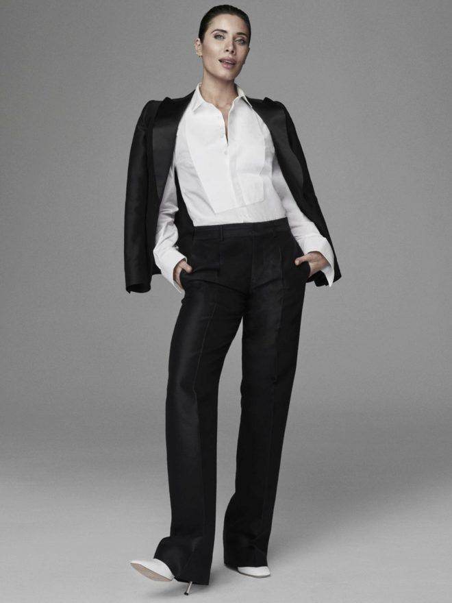 Pilar Rubio con esmóquin y camisa, Dsquared2 y zapatos, Boss.