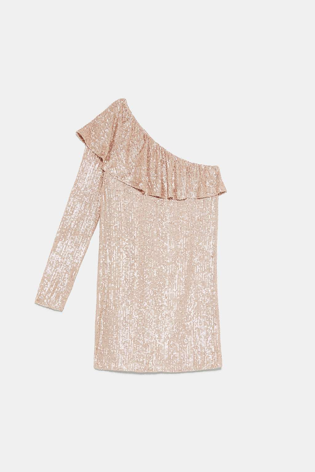 Vestido asimétrico de lentejuelas en color salmón de Zara