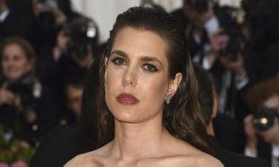 En la pasada gala del MET, Carlota Casiraghi volvió a arriesgar y a...