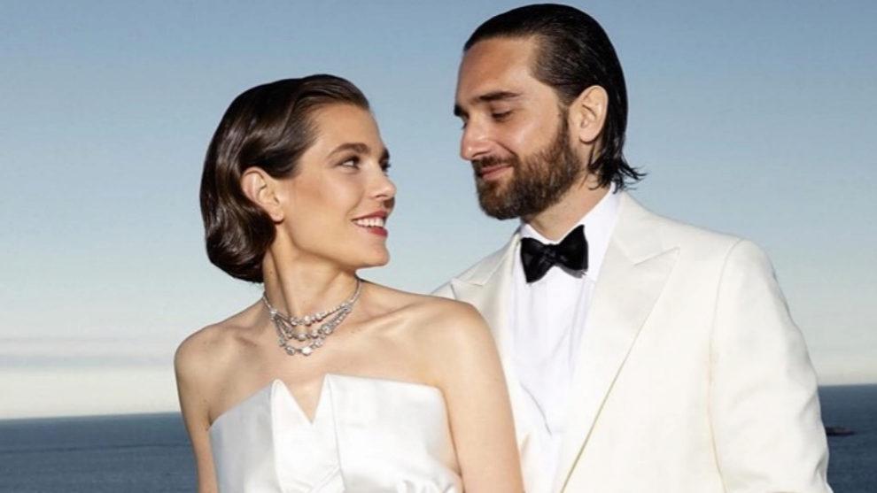 El segundo traje de Carlota Casiraghi y Dimitri Rassam recién casados