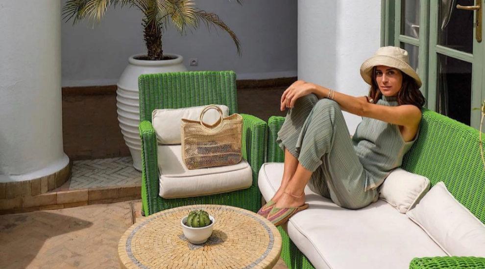 Gala González también apuesta por bolsos de tela.