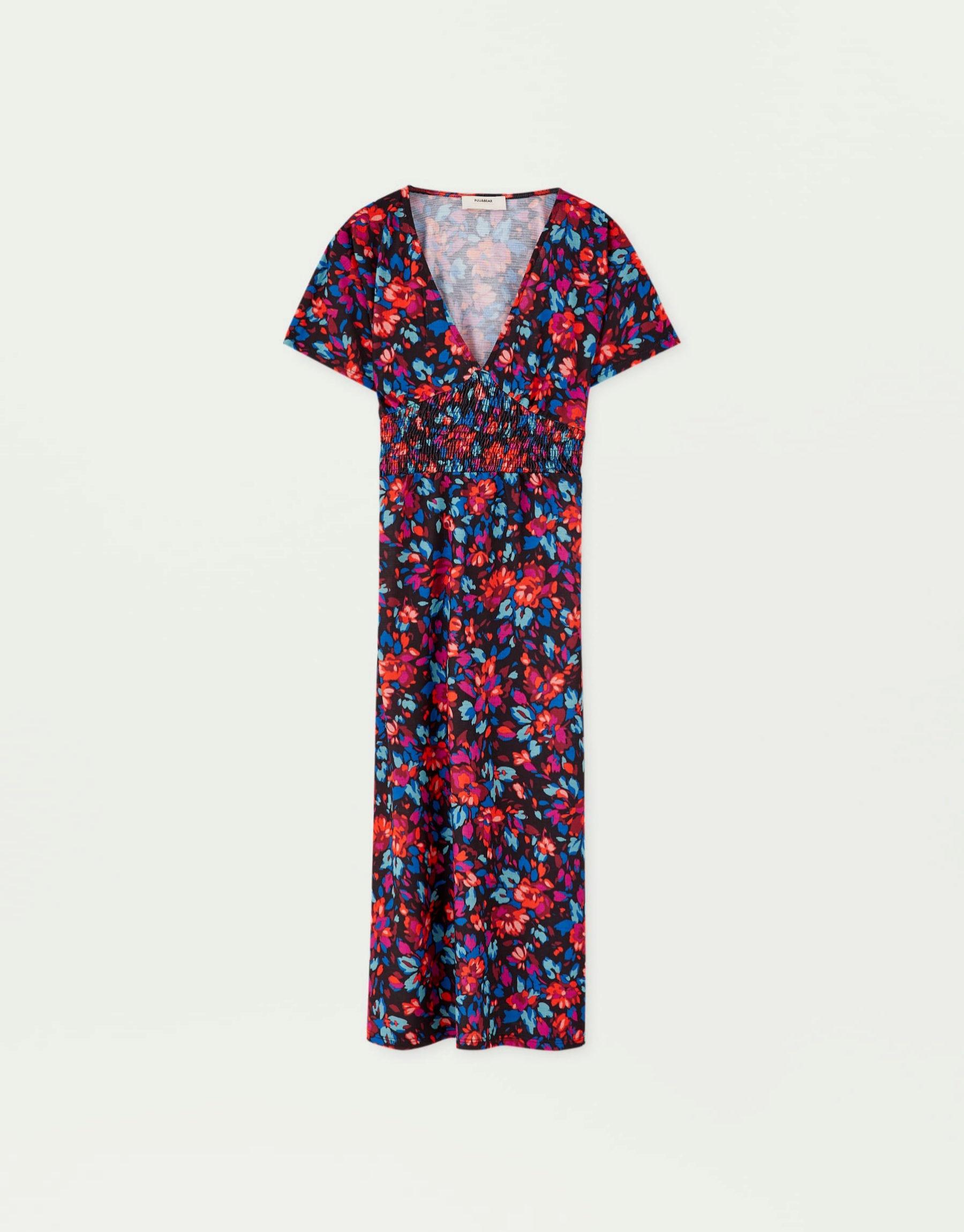 Vestido con estampado floral de Pull & Bear