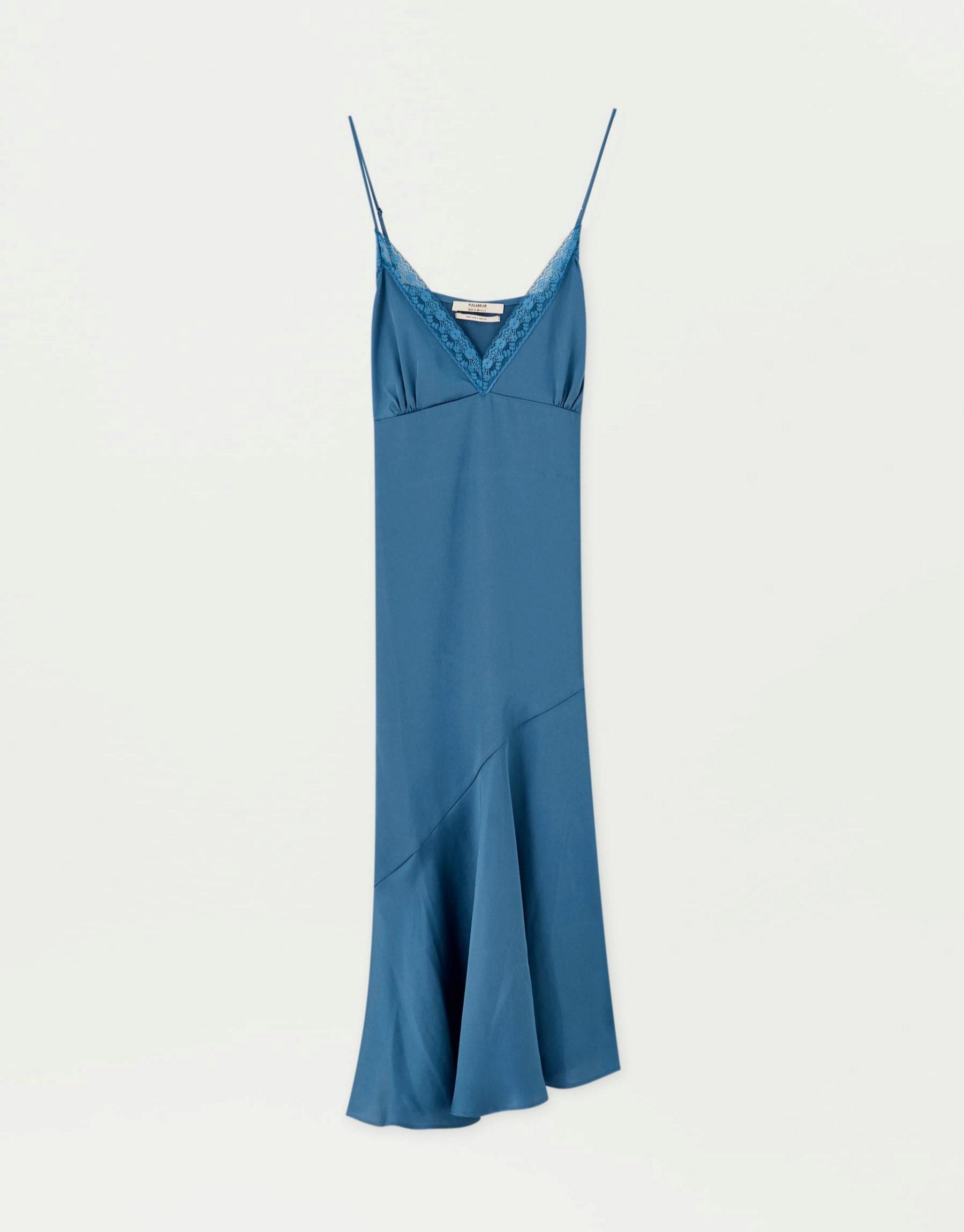 Vestido lencero en azul petróleo de Pull & Bear
