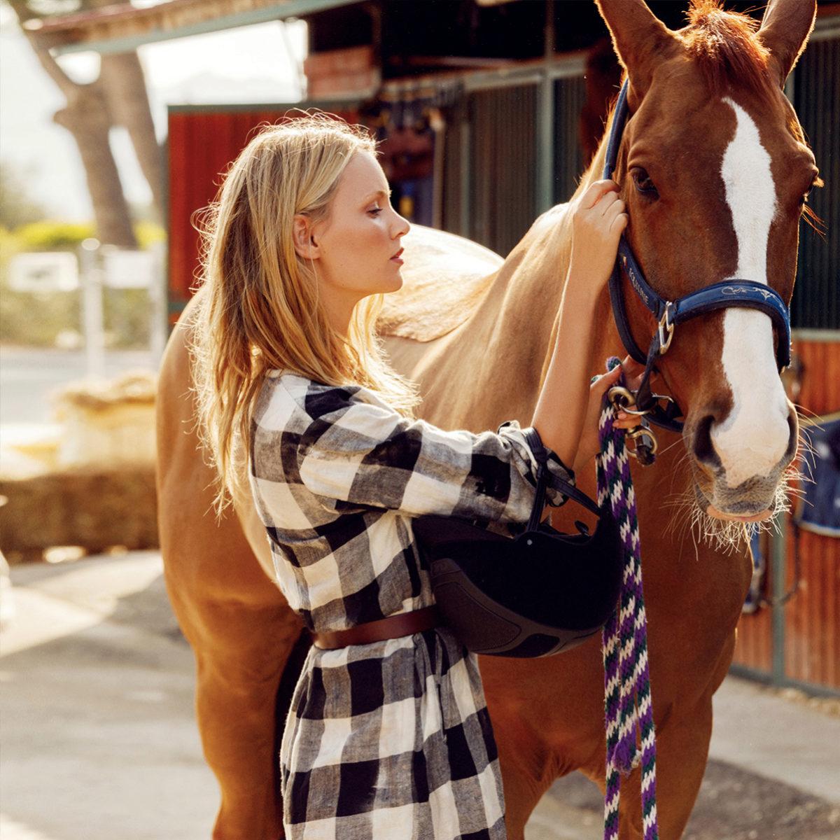 El champú de caballo tiene el mismo efecto que otros champús a corto...