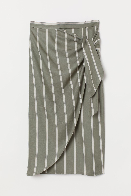 Falda pareo de rayas de H&M (24,95 euros).
