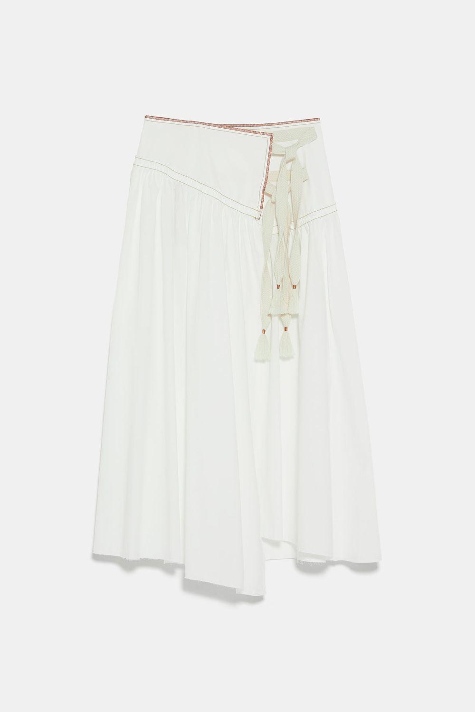 Falda pareo de Zara (59,95 euros).