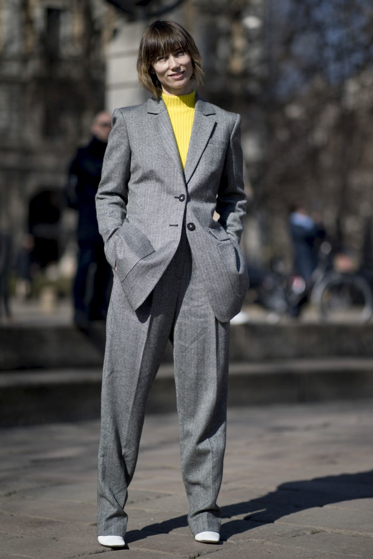 Un traje masculino gris: un indispensable en un armario inteligente...