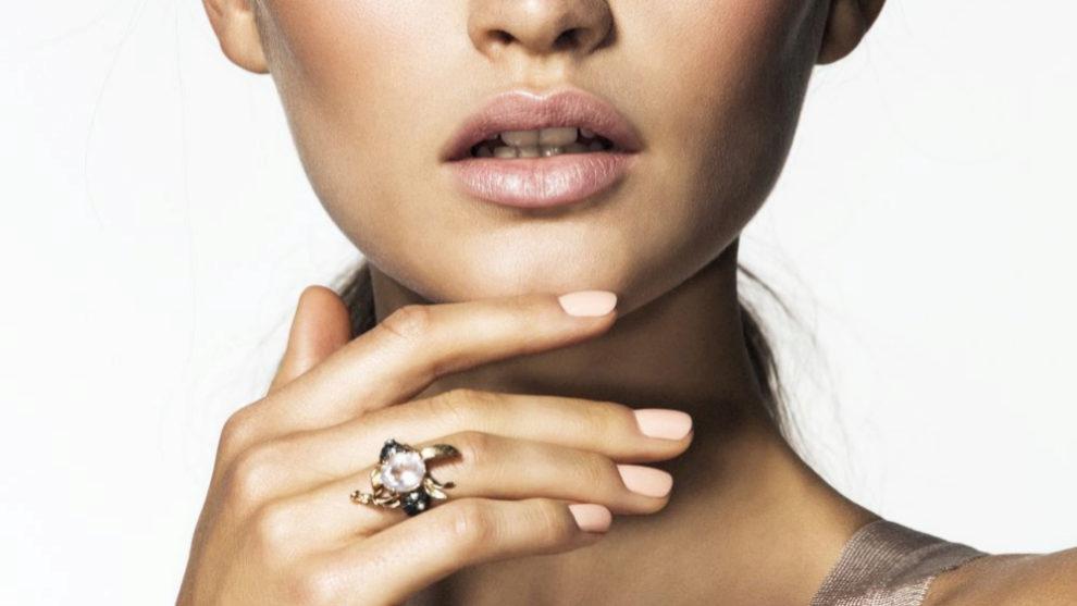 Las uñas pastel se convierten en objeto de deseo de las manicuras de...