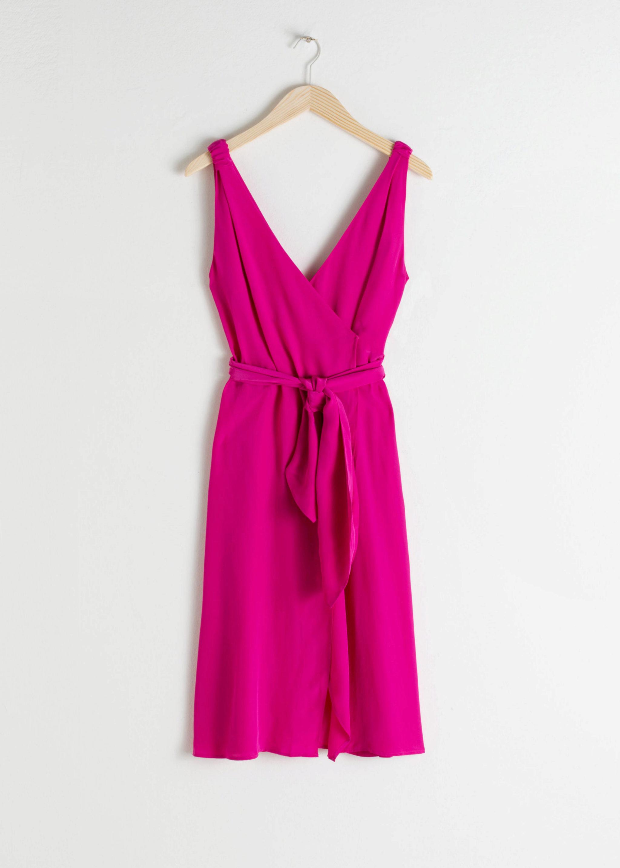Vestido tipo wrap en rosa fucsia de & Other Stories (69¤)
