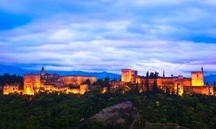 La Alhambra de Granada desde el mirador de San Nicolás.