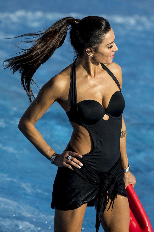 Pilar Rubio con coleta alta efecto lifting que estiliza sus facciones.