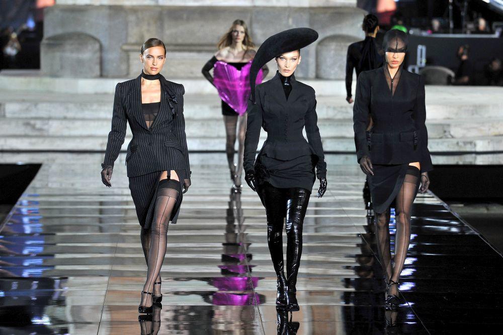 Irina Shayk, Bella Hadid y Joan Smalls.