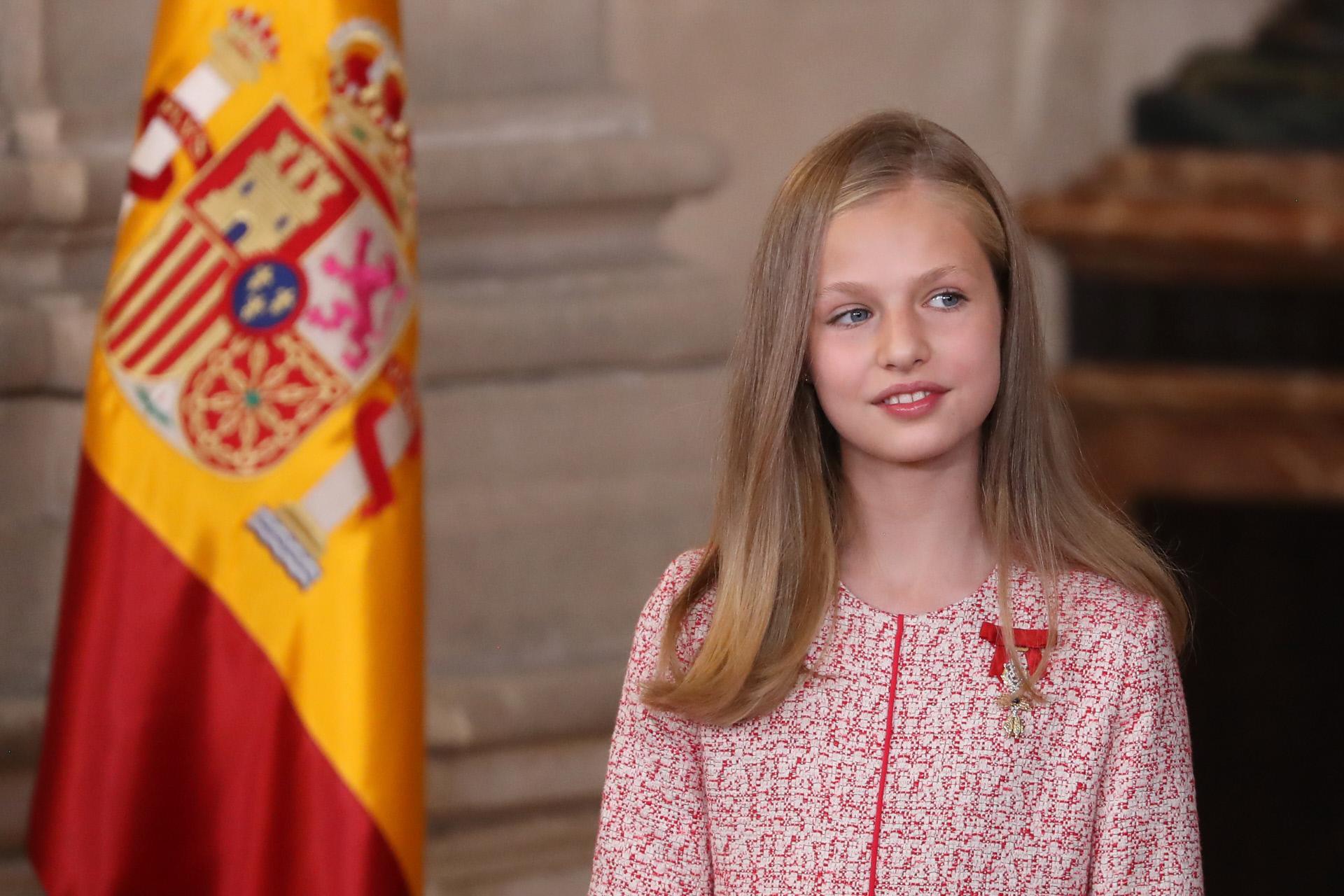 La princesa Leonor en la imposición del Orden del mérito civil
