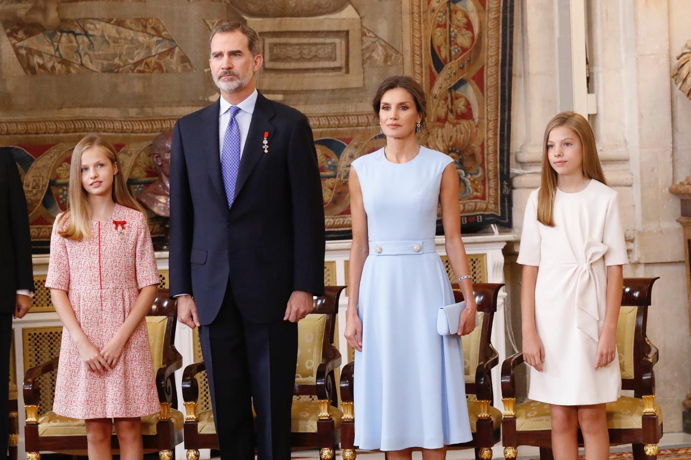El rey Felipe, la reina Letizia, la princesa Leonor y la infanta...
