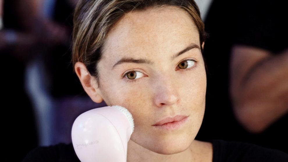 ¿Te animas a incorporar un cepillo de limpieza facial a tu rutina de...