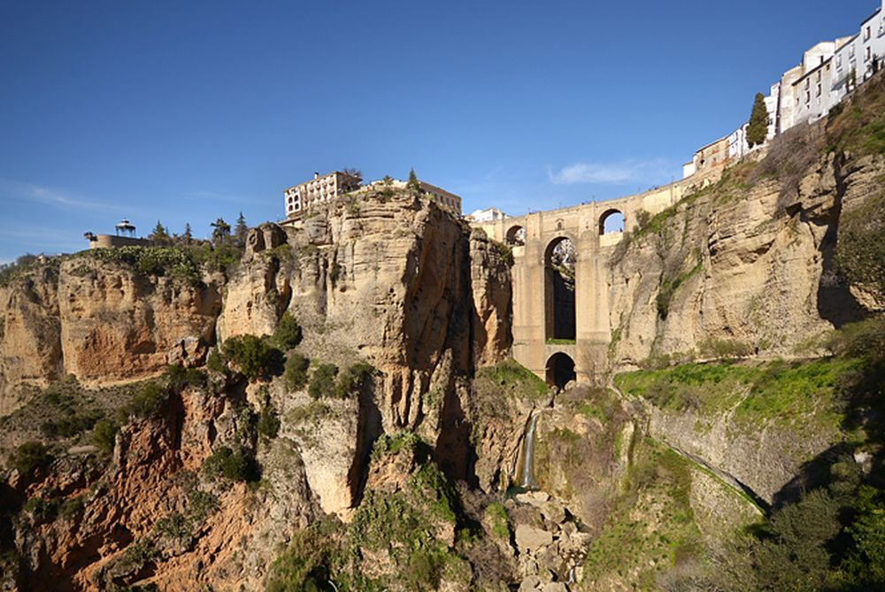 Vista del Puente Nuevo de Ronda desde el Tajo.