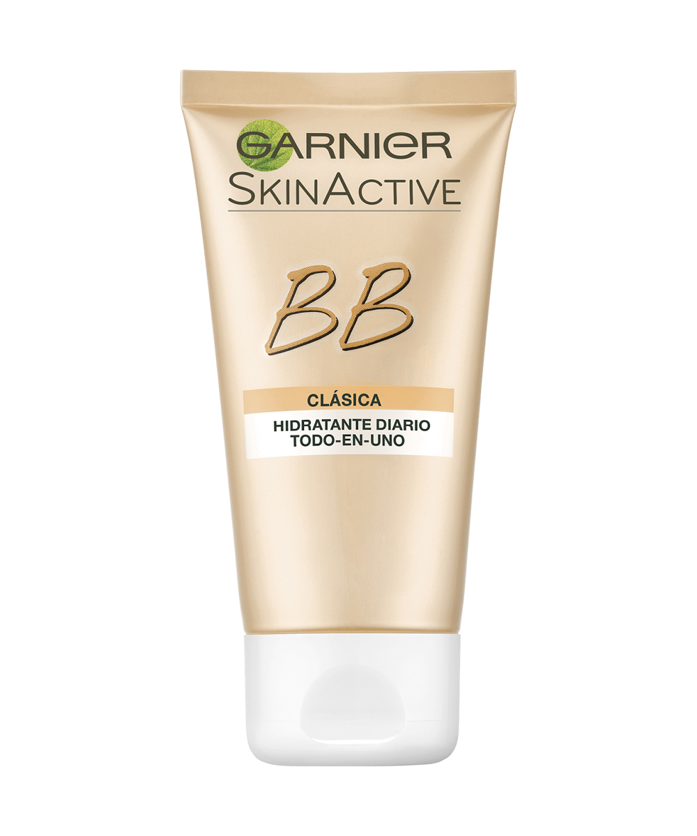 BB Cream Clásica de Garnier, disponible en tono claro y medio.