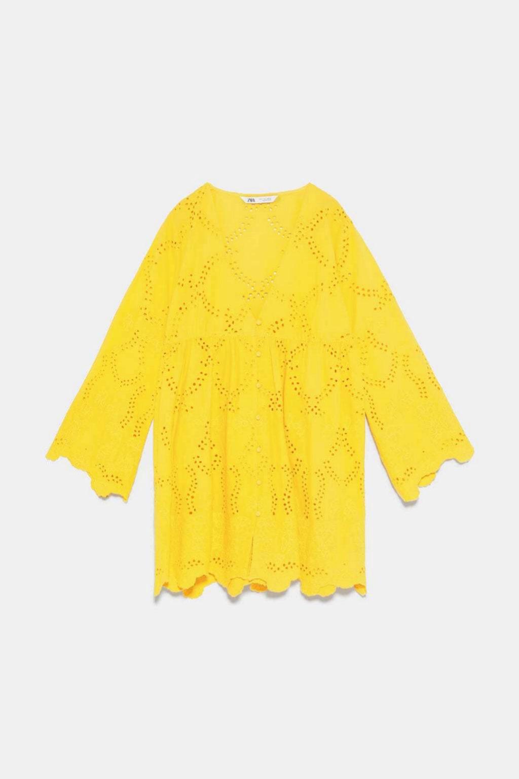 Blusa con calados y escote en V de Zara