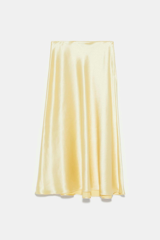 Falda midi satinada de Zara
