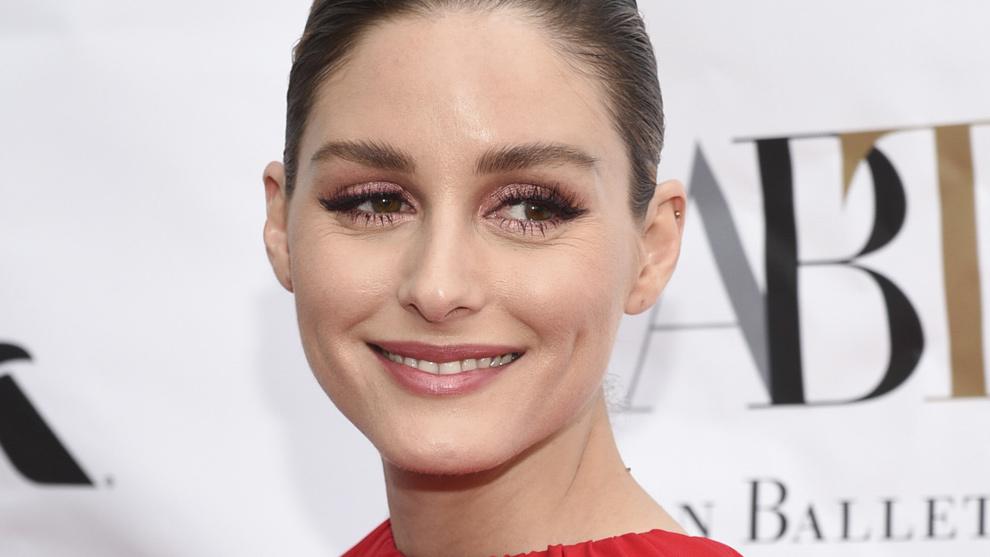 Olivia Palermo con el labial que no se quita y del que es musa, el...