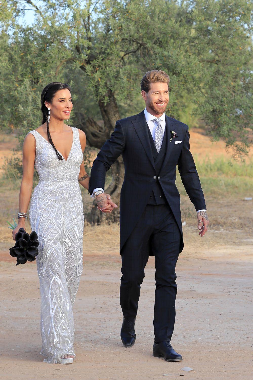 Pilar Rubio y Sergio Ramos ya marido y mujer. Ella ya sin velo y con...