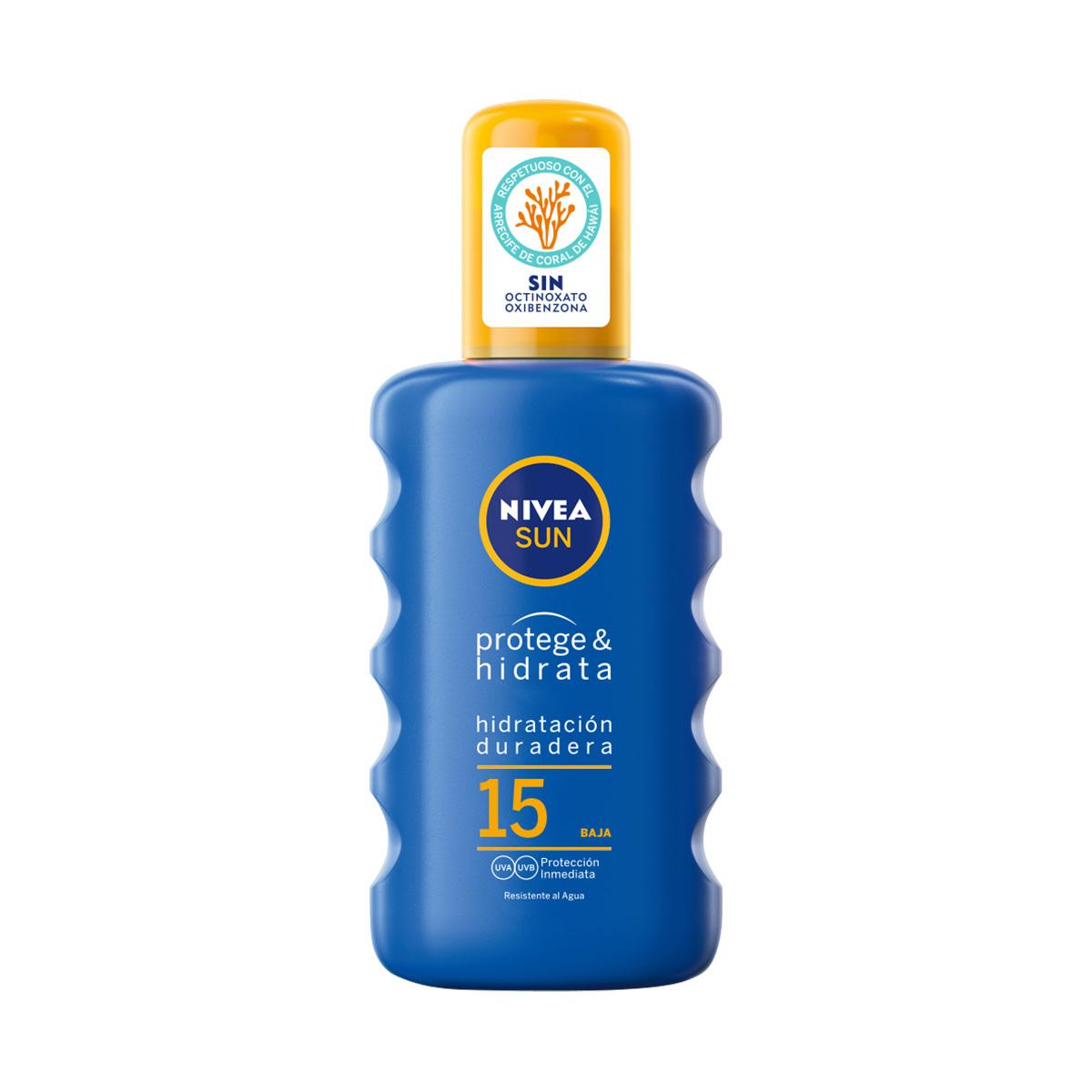Spray Protege e hidrata SPF 15 de Nivea (13,49 euros).