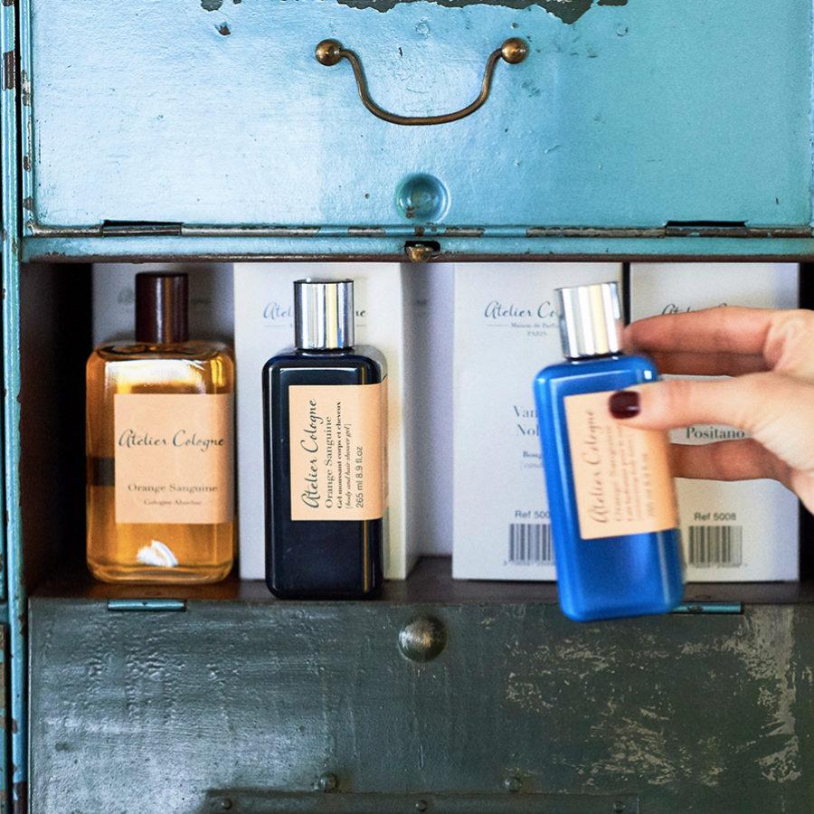 No es recomendable usar perfume si vamos a estar mucho tiempo al sol.
