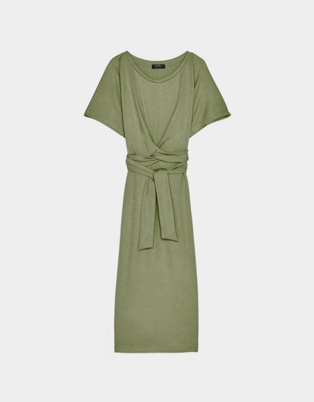 Vestido de algodón en verde oliva de Bershka