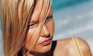 Los tintes pueden dañar nuestro cuero cabelludo.