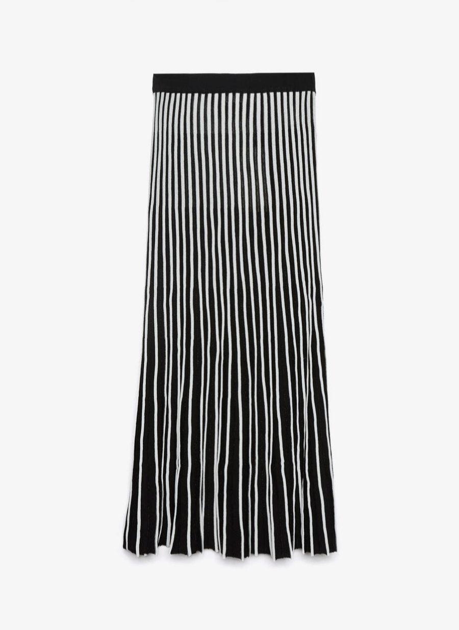 Falda larga de punto de Uterqüe