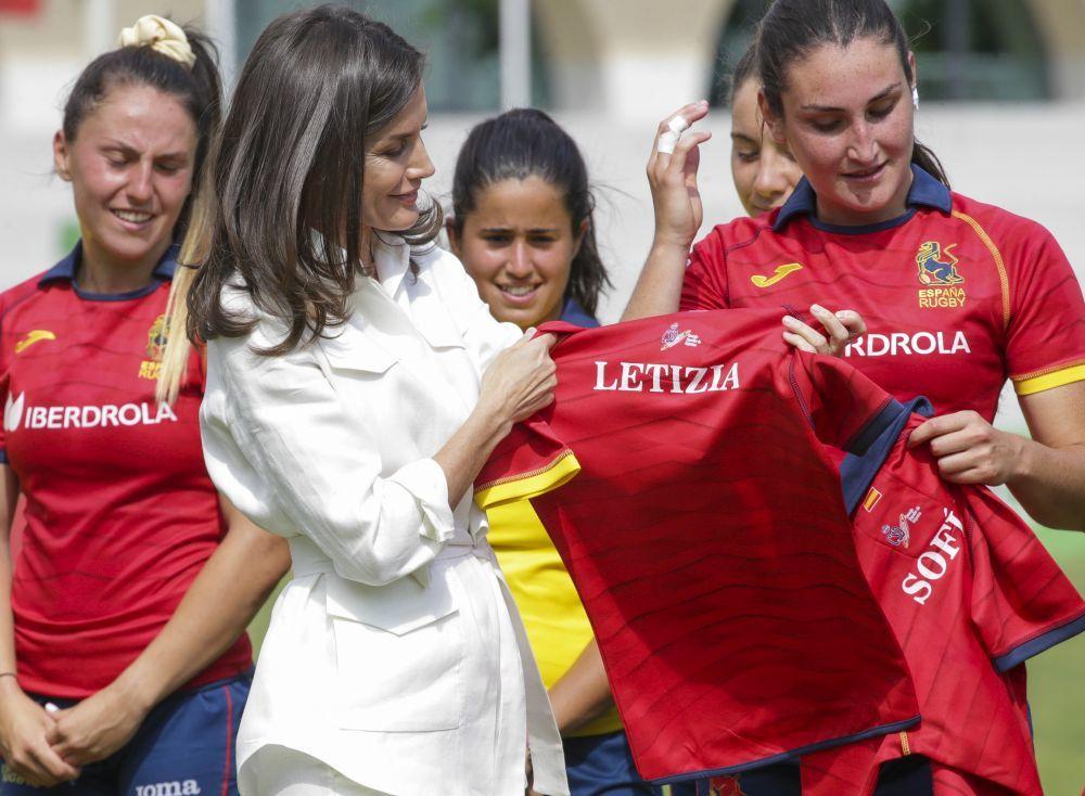 La reina Letizia con la selección femenina de rugby