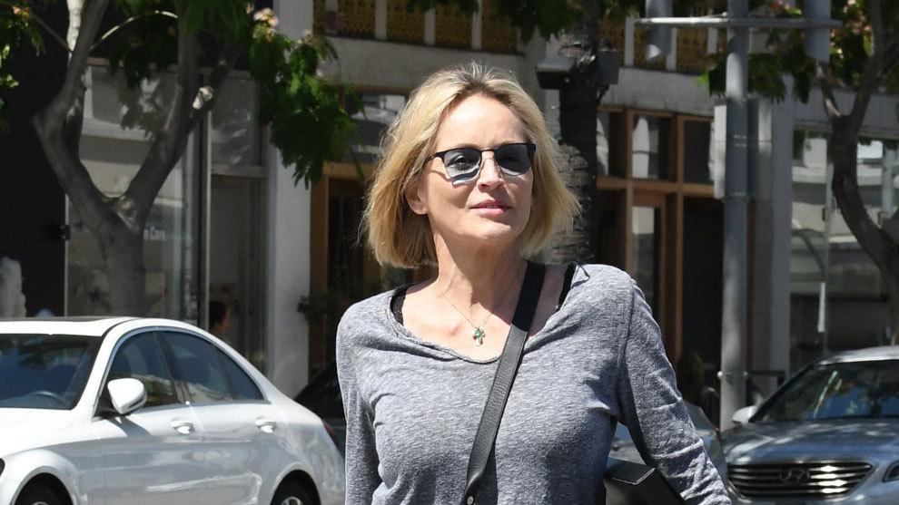 Sharon Stone con un corte de pelo bob.
