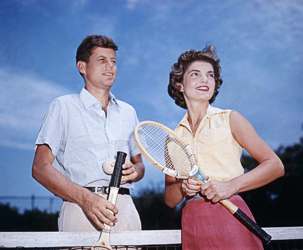 El 23 de junio de 1953, Joseph Kennedy comisionó un evento en Nueva...