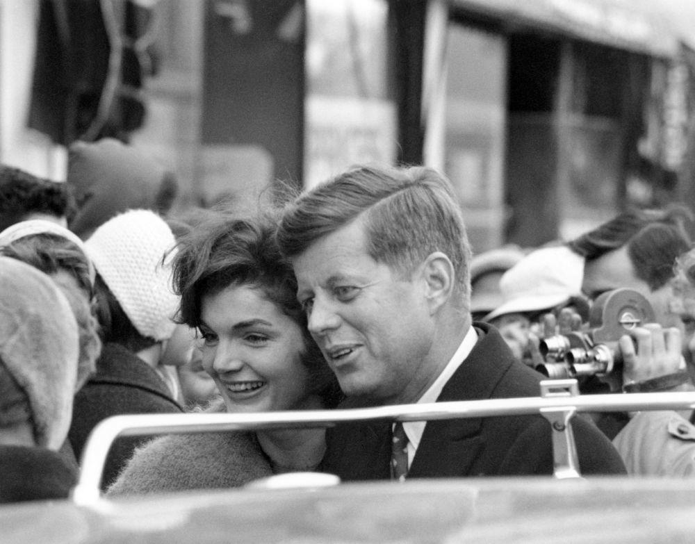 jackie Kennedy siempre estaba pendiente del vestuario de JFK, de su...