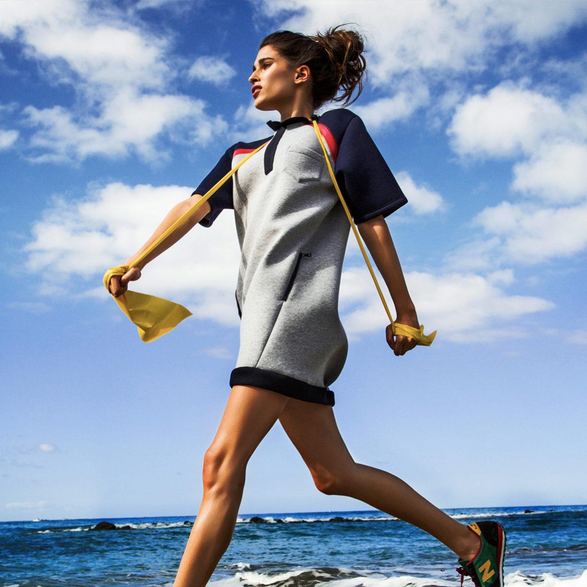Para entrenar solos en casa hay que vigilar la postura corporal.