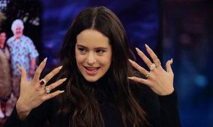 Rosalía en el programa El Hormiguero con unas de trapero con base de...