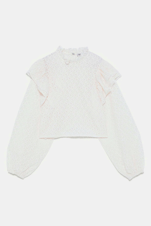 Blusa de encaje corta con mangas abullonadas de Zara