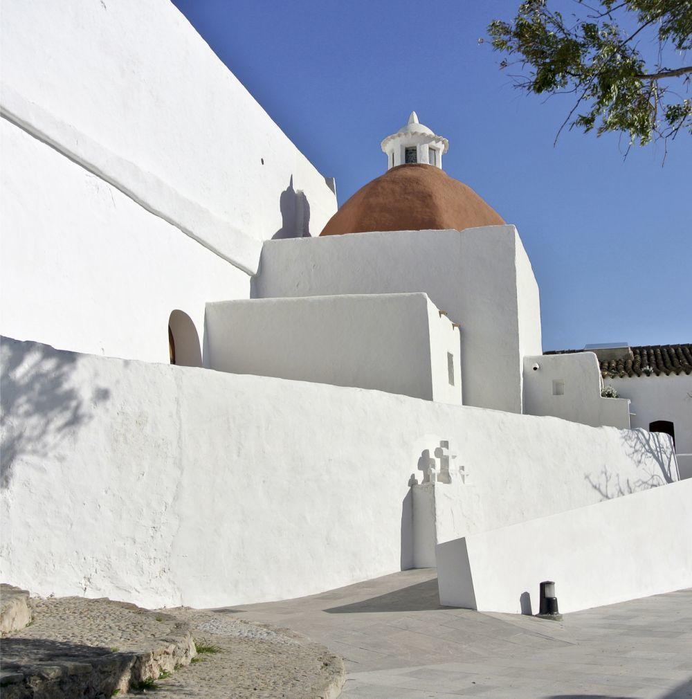 Puig de Missa, en Santa Eulalia del Río, es una de las visitas...