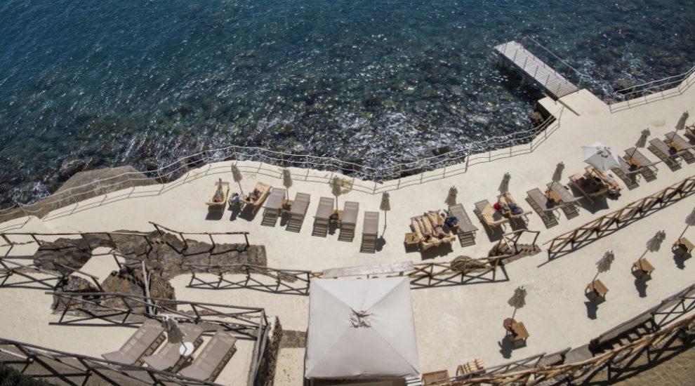 Vista del hotel Il Pellicano, un lugar donde refugiarse de todo/s.