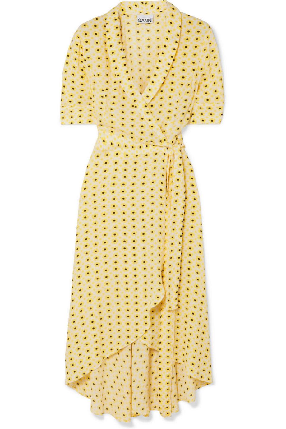 Vestido amarillo tipo camisero de crepe de Ganni (180¤)