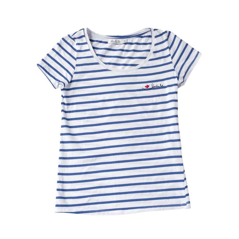 Camiseta de rayas azules y blancas de Lucía Be